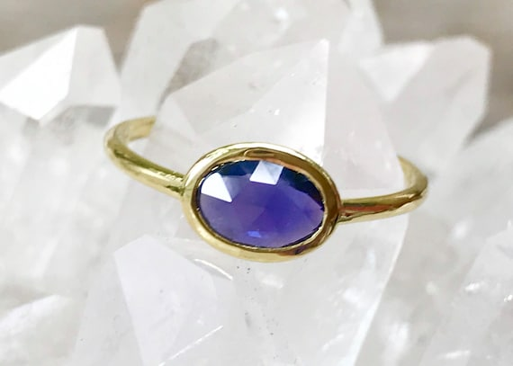 Untreated blue violet rose cut sapphire and solid 18k gold ring