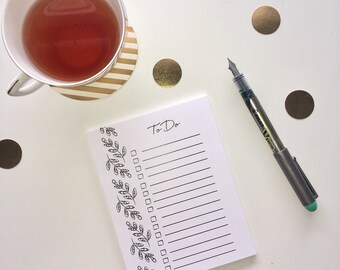To Do List Notepad W/ Handrawn Leaf Detail
