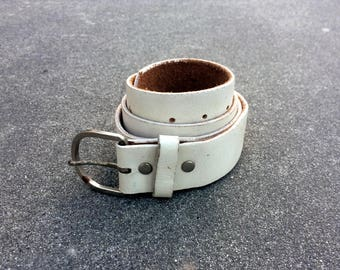 White Pant-hoister -- Fine leather belt with metal buckle -- Medium