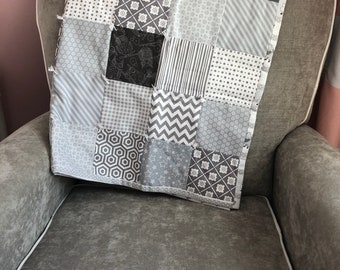Baby Quilt, Patchwork Quilt, Gray Baby Quilt, Tummy Time Quilt, Gray Nursery Blanket, Gray Crib Bedding, Gender Neutral Quilt