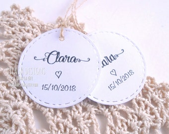 Custom round tags, customizable tags with name date, stitched tags, kraft paper hang tags, stitched place cards, wedding stationery Italy