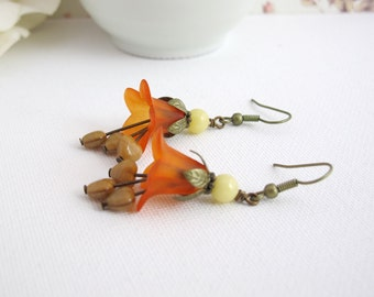 Orange Lucite Floral Autumn Jewelry. Nature Woodland Dangle Flower Earrings.Caramel Heart Drops Earrings. Bridal Wedding Bridesmaid Gift