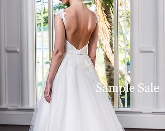 A-line wedding dress SALE/ Low back wedding dress/ Lace and Tulle Wedding gown/ SAMPLE SALE/ Romantic Ball Gown