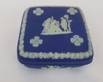 Wedgwood Signed 1935 Antique Jasperware Trinket Jewelry Box Blue White Relief