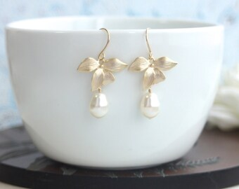Gold Bridal Earrings Gold Flower Earrings, Gold Orchid Earrings Gold Ivory Pearl Earrings. Bridesmaid Gift Gold Wedding Pearl Flower Wedding