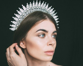 white crown, wedding tiara, lace crown, lace tiara, white lace headpiece, lace headband, white bridal headpiece, headdress, white diadem