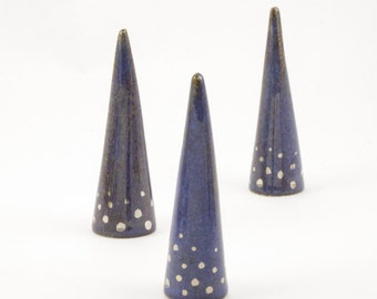 Modern Ceramic Ring Cone Holder Storage Jewelry Organization Display: Blue silver dots