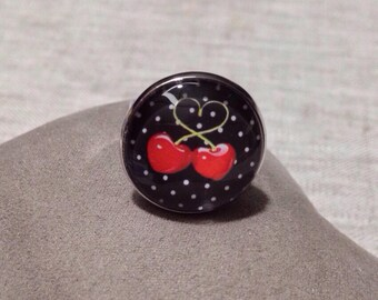 Fancy silver round cabochon - cherries - polka dot ring