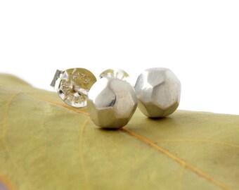 Faceted Pebble Earrings: simple earrings, faceted earrings, stud earrings, sterling silver earrings, faceted studs, faceted post earrings