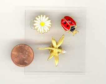 Set Vintage Dragonfly, Lady Bug, And Daisy Adorable Scatter Tack Pin NOS Enamel Gold Tone No.239