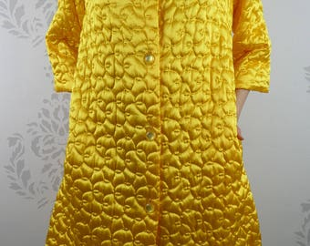 VINTAGE YELLOW ROBE 1950s Quilted Lined Gaymode Penneys Size Medium