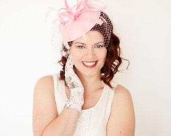Fascinator, light pink Fascinator with Veil, Womens Tea Party Hat, Church Hat, Derby Hat, Fancy Hat, Ivory Hat, wedding hat, British Hat