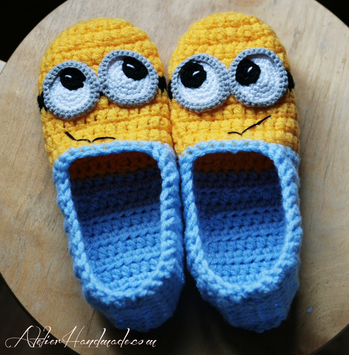 Crochet pattern slippers adult sizes pdf file with instant zoom bankloansurffo Choice Image