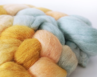 Superfine Alpaca Roving . Hand Dyed . Hand Painted . 100% Combed Alpaca Roving  . OOAK . Spinning Supply . 4oz .  Made to order