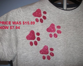 Hot Pink Glitter Paws T-shirt  Women's Heather Grey with Navy Blue Edge