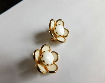 Vintage Scatter Pins Tiny Flower Pins Costume Jewelry Flower Brooches Matching Pair