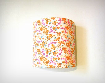 Applique murale petites fleurs orange et rose fluo