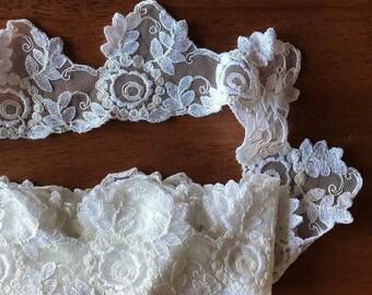 6 yards white vintage lace trim