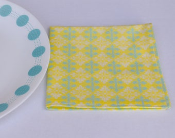 Cloth Napkin Set of 4 (Yellow and Mint)
