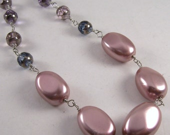 Pearlescent.. Mauve glass pearl hand-linked necklace