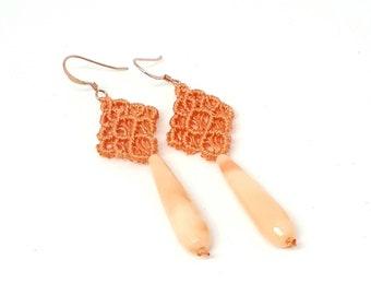 Orecchini lunghi in macrame, orecchini di pizzo, orecchini di cristallo, orecchini romantici, orecchini pendenti, regalo per donne, ooak