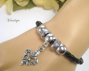 Fleur de lis Leather Bracelet, New Orleans Jewelry, Louisiana Jewelry, Fleur de lis Jewelry, Black Leather Bracelet, Leather Charm Bracelet