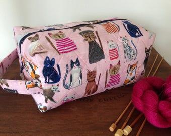 Large boxy pouch, knitting project bag, quilted knitting bag, cosmetics pouch, boxed zipper pouch, cat themed pouch, pink fabric boxy pouch