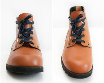 Vintage 70s Boots Leather Work Boots Unisex Combat Boots Mens Size 10 9.5 43 Ankle Boots Womens Size 11 9.5 42 Caramel Brown Lace Up Boots
