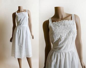Vintage Lanz Dress - 1960s White Eyelet Cotton Sundress - Button Up Back - Waist Belt - 60s Summer - Small