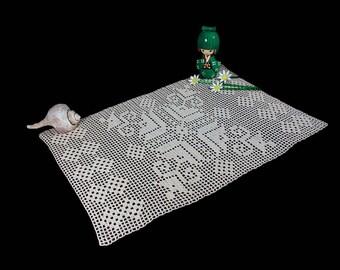 Crochet Runner, Ecru (Natural), 13.5 x 20 inches, Geometric Pattern, Crochet Mat, Crochet Lace, Fine Art Crochet