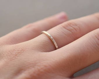 Hammered sterling silver ring, stackable band silver ring, 1.4 mm thick stacking ring