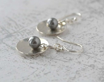 Hammerd Silver Earrings, Sterling Silver and Pearl Earrings, Grey Pearl and Silver Earrings, Handmade Silver Jewelry, Silver Dangle