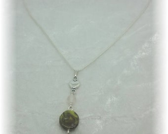 Compositions of green and taupe - pendant necklace