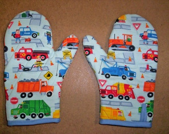 Child oven mitts pair-Trucks