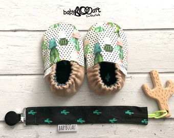 Baby Moccasins +  pacifier clip + wooden toy cactus | baby slippers | baby booty | Prewalker shoes |  booties crib | baby shoes | cactus |