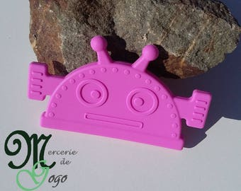 Large ring of silicone teething sewing Fuchsia Robot.