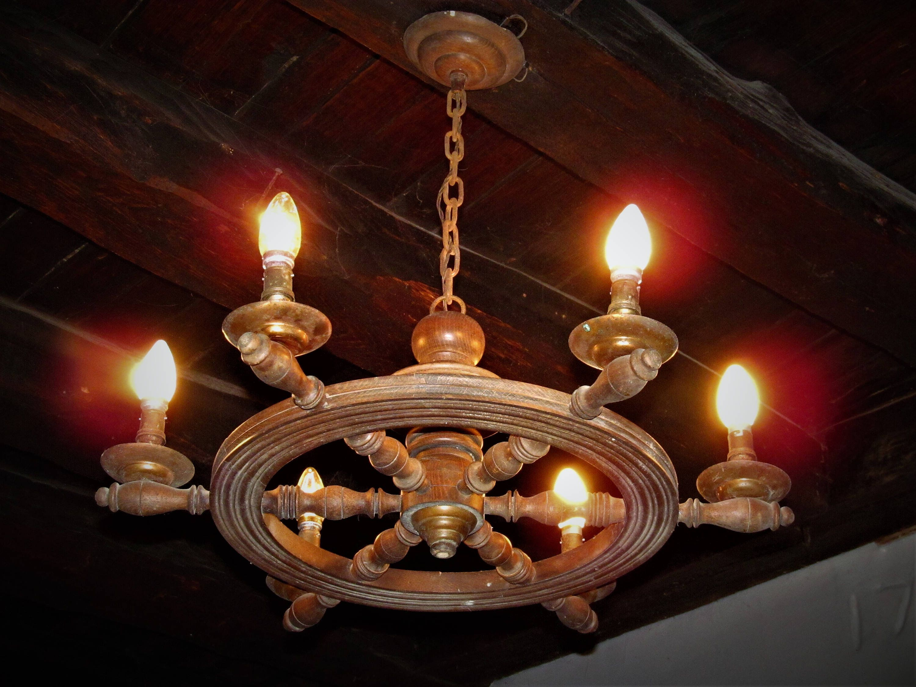Fabulous antique ships wheel 6 branch wooden french chandelier in fabulous antique ships wheel 6 branch wooden french chandelier in working condition but may need some tlc arubaitofo Image collections