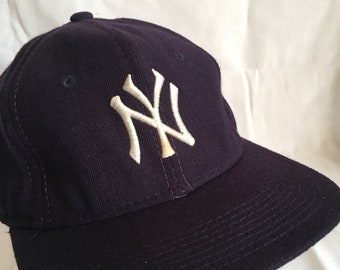 Vintage New York Yankees wool fitted cap-Sport Specialties-size 6-7/8-Bronx Bombers