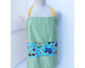 Adjustable apron with construction zone pocket