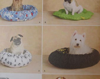Simplicity Pattern 2297 Dog Beds in two styles