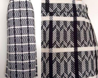 1970's Wool Black & White Herringbone Maxi Skirt Size XS Small by Maeberry Vintage