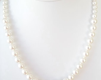Graduated Pearl Necklace,Single Strand Pearl Necklace,Swarovski Pearls,Graduated Pearls,Romantic,Bridesmaid Beaded Necklace,Pearl Necklace