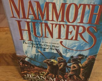 Book, The Mammoth Hunters, Retro, Jean M. Auel, Fiction, Adventure, Literature, Antique Discoveries