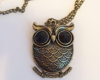 Owl Pendant Necklace 1970s Vintage jewelry necklace, Costume Jewelry Necklace