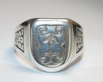 SR1757 Vintage New Stock Sterling Silver Mens Rocker Biker Signet Crest Etchings US Size 8 9 10 11 12 Ring 925 Jewelry Jewellery For Him