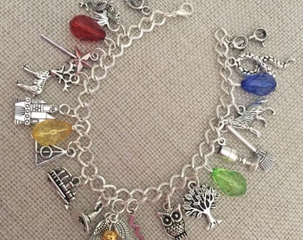 Handmade Gorgeous Harry Potter INSPIRED/THEMED charm bracelet complete with 21 charms, free gift bag