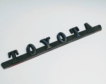 Vintage Toyota car emblem patch