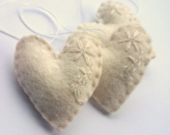 Wedding Decorations Felt heart  Christmas Ornaments New Years Decor For Kids Winter Holiday White with embroidery Nursery