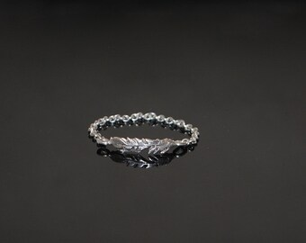 Larger Breed Feather ring in chain