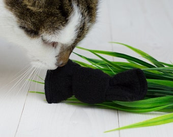 EcoKitty Handcrafted Organic Catnip Bow Tie Toy for Cats